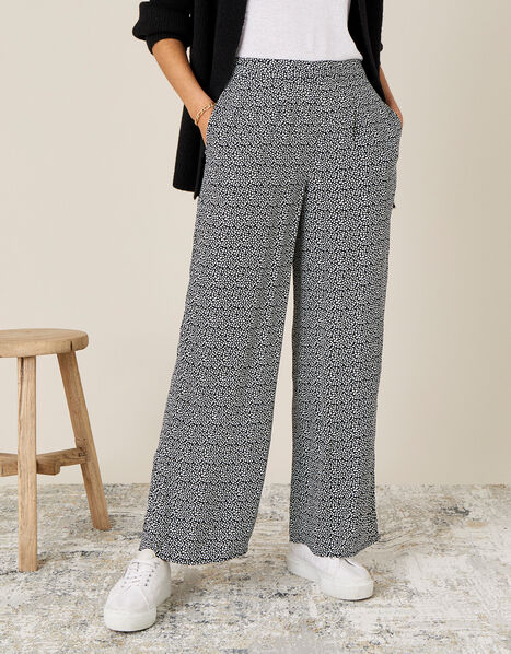 Printed Trousers in Sustainable Viscose Black, Black (BLACK), large