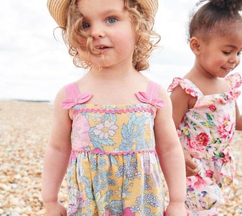 Sale beach & casualwear